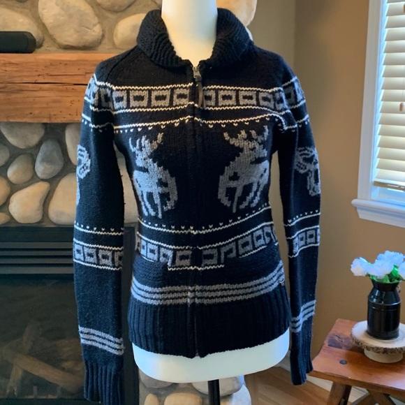 Aritzia TNA Black & Gray Deer Sweater